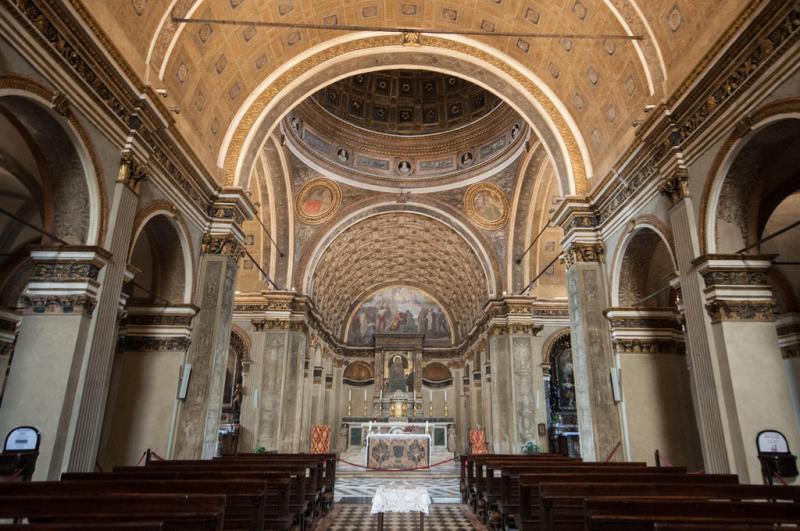 Santa Maria presso San Satiro vista dal fondo della chiesa