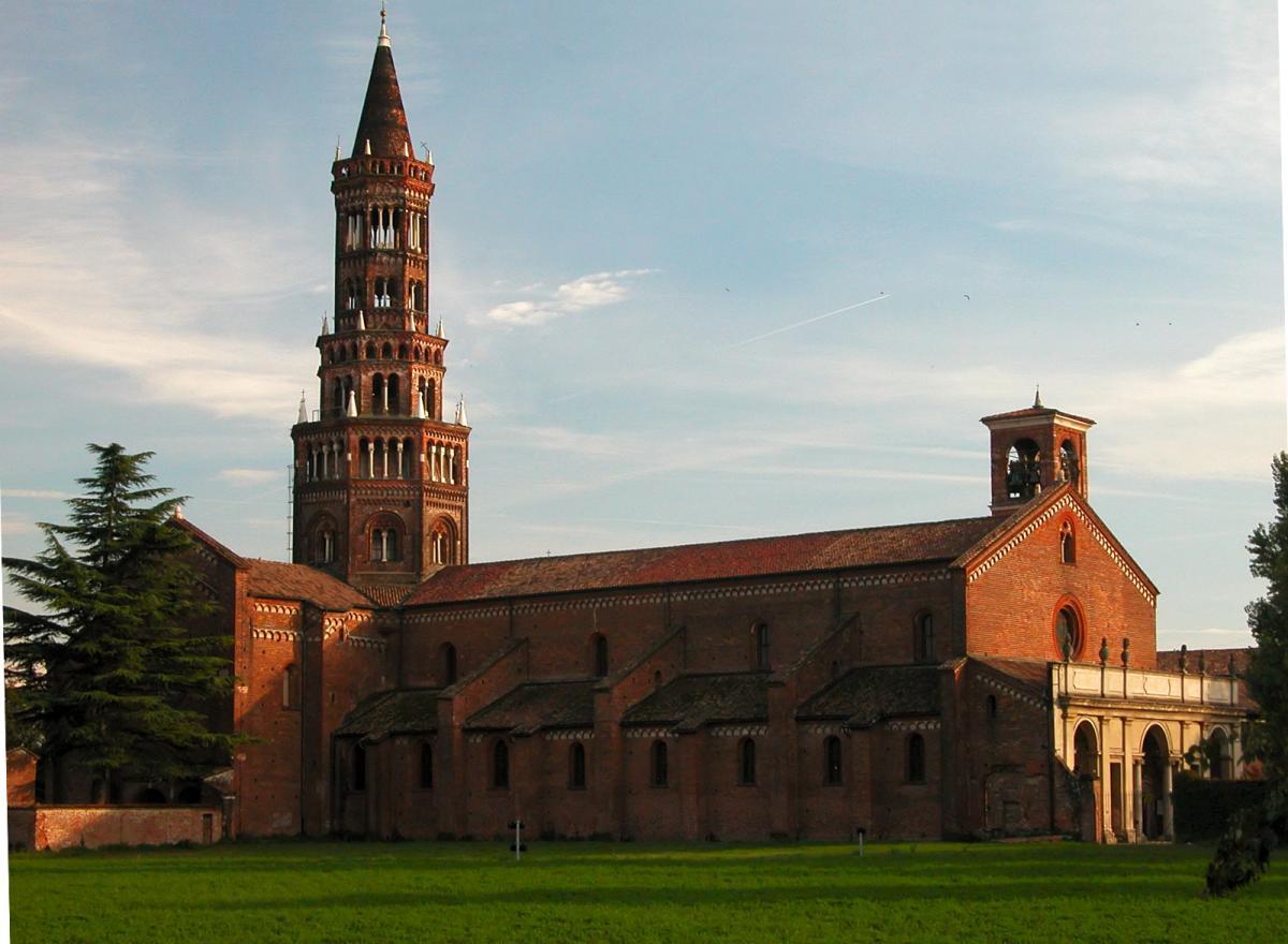 vista laterale dell'Abbazia di Chiaravalle