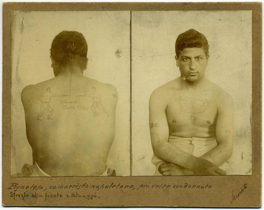 """Anonimo - Pignolosa, fine XIX secolo stampa ai sali d'argento, Museo di Antropologia criminale """"Cesare Lombroso"""" dell'Università di Torino."""