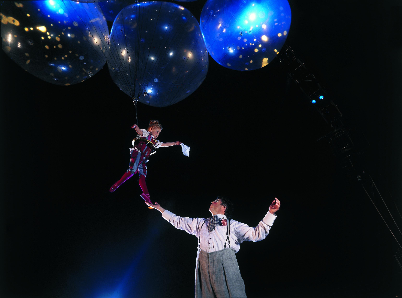 Cirque du Soleil - Corteo - Acrobati volanti