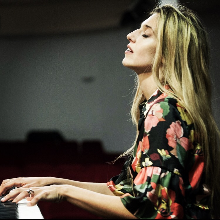 Guenda Goria pianista perfetta