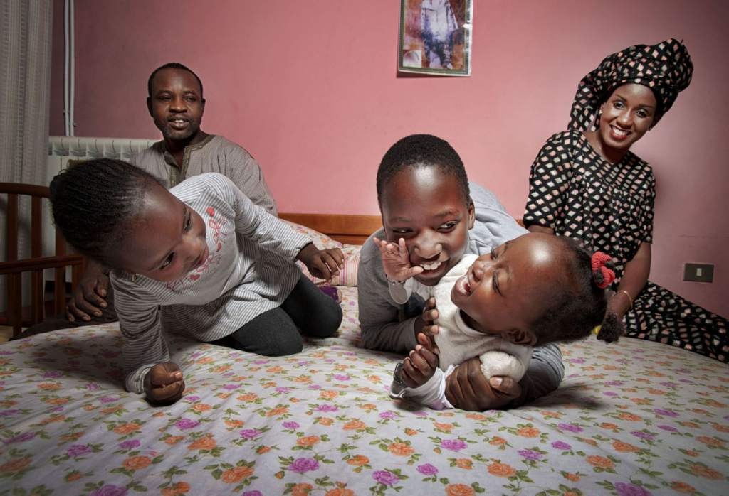 Tutte le ore del mondo_Buonanotte_Mareme e la sua famiglia_Senegal @FondazioneBracco_GeraldBruneau_1