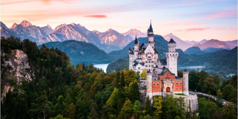 panorma con Il castello Disnery , Neuschwanstein in Baviera, Germania