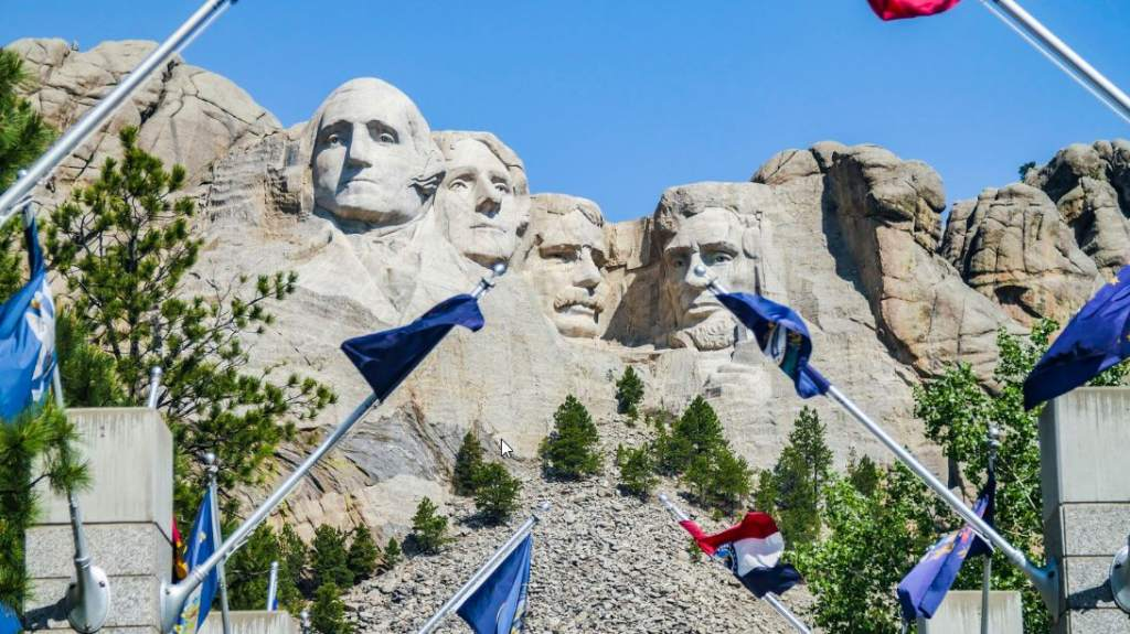 @Brand USA_Mt. Rushmore_Keystone_South Dakota_low