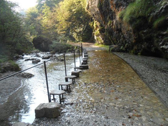 guado del fiume vertova in val vertova