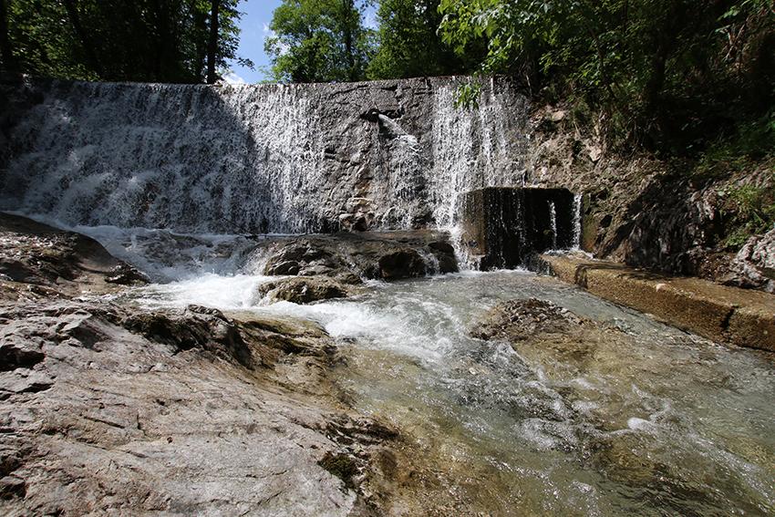 cascate che si formano nel torrente della val vertova