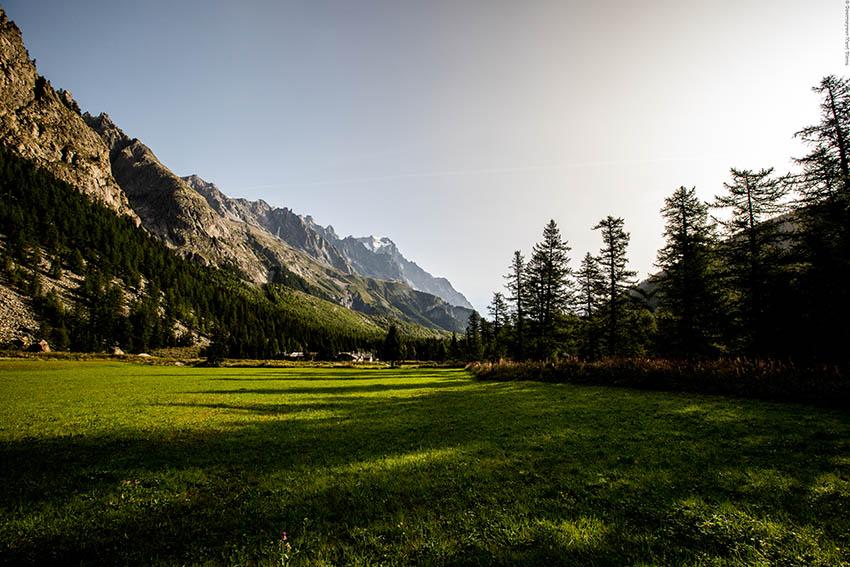 COURMAYEUR MONT BLANC panorama