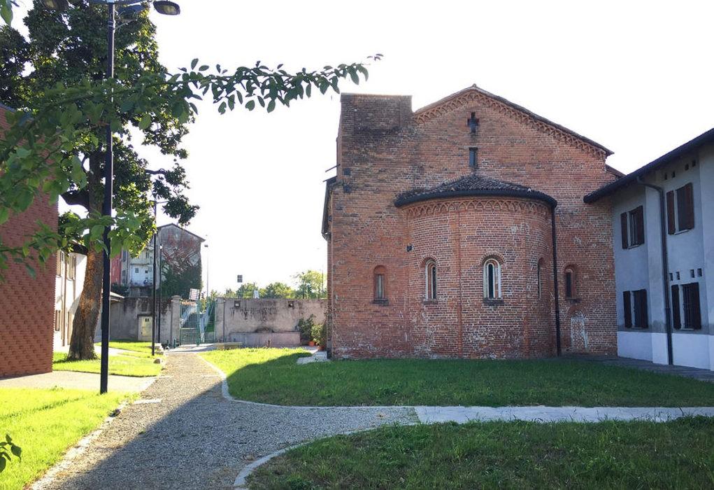 vista esterna della Chiesa Rossa