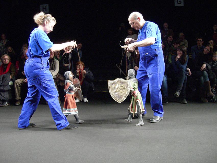 Marionette a fili corti