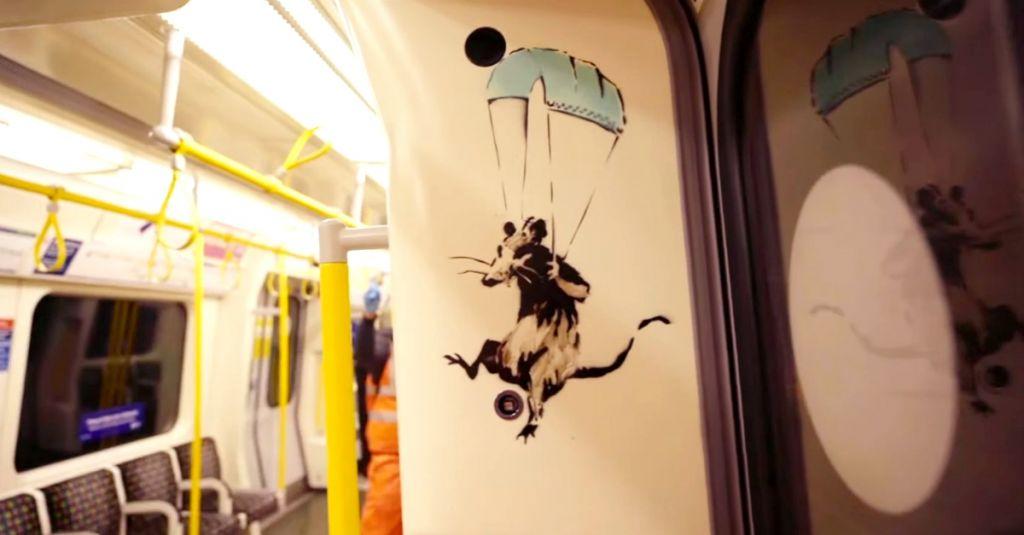 disrgno di un topo che si lancia con un paracadute fatto con una mascherina chirurgica