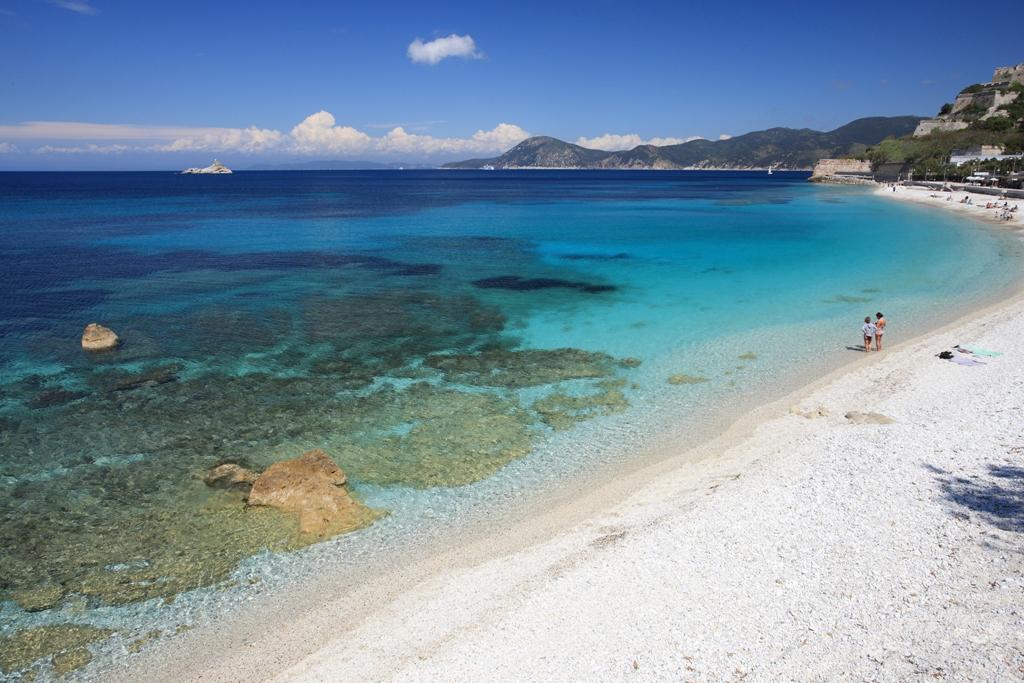 Spiaggia delle ghiaie isola d'elba