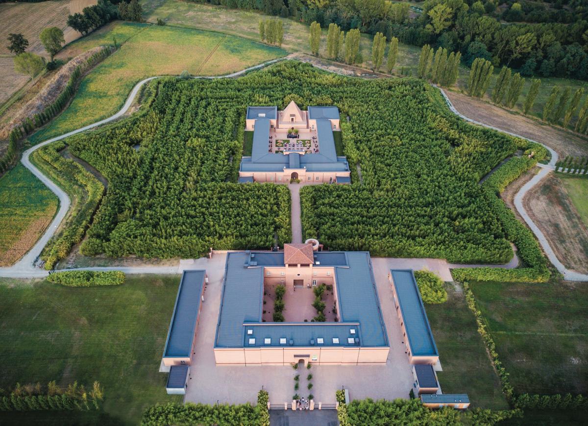 una panoramica dall'alto del Labirinto della Masone