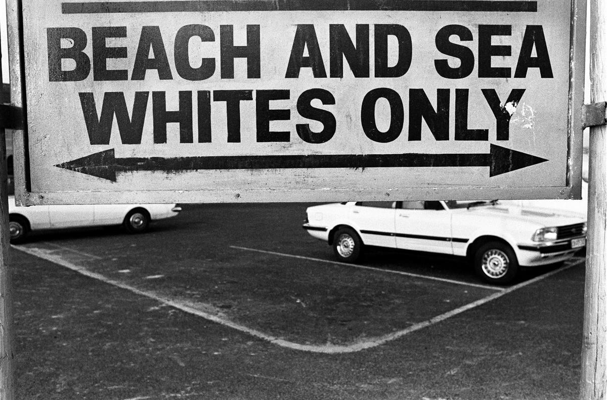 Foto in bianco e nero di Paola Agosti per Biennale Donna scattata in Sud Africa, Cape Town
