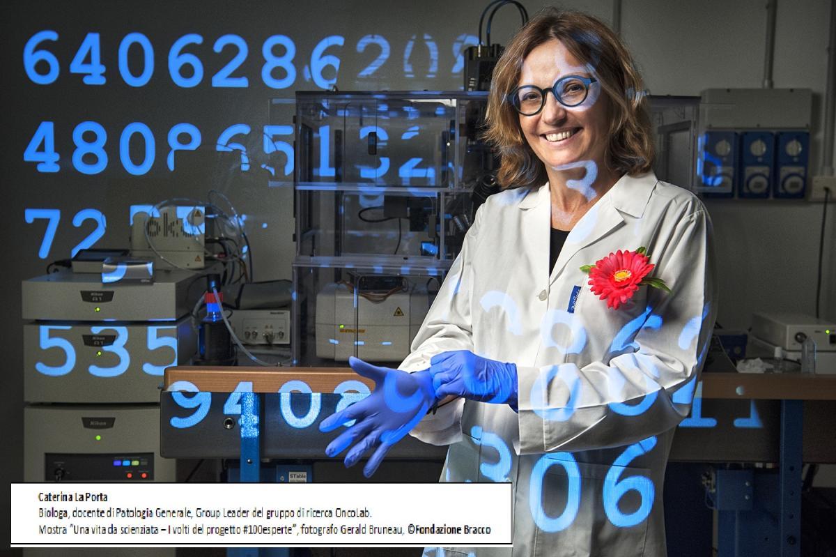 una foto della mostra Una vita da scienziata, Caterina La Porta