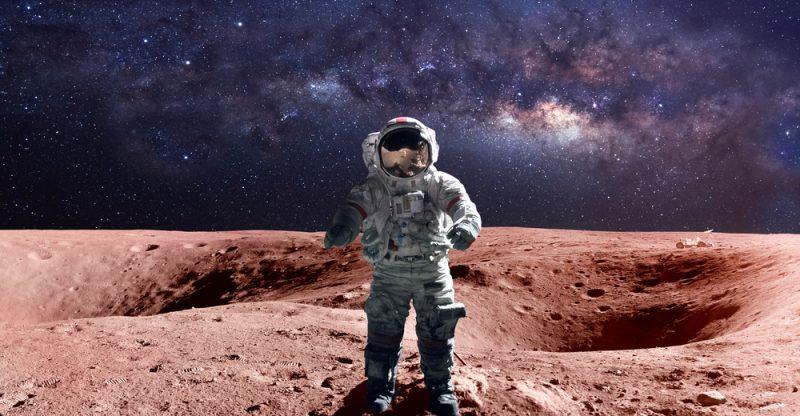 Italia sulla Luna, immagine di un astronauta su Marte