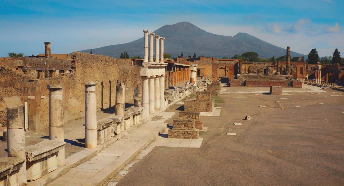 una panoramica del sito di Pompei Eros e Mito