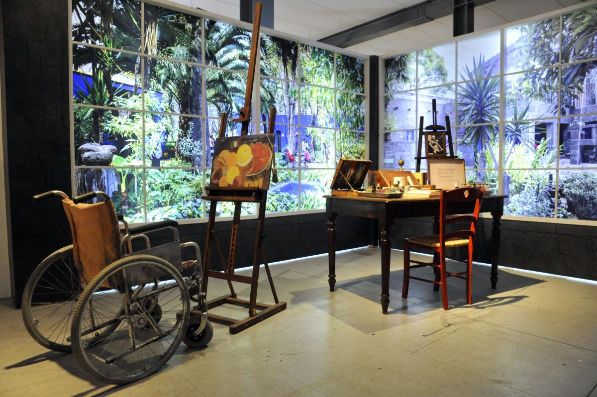 Frida Kahlo. Il caos dentro, sezione della mostra con la riproduzione della stanza dove Frida dipingeva