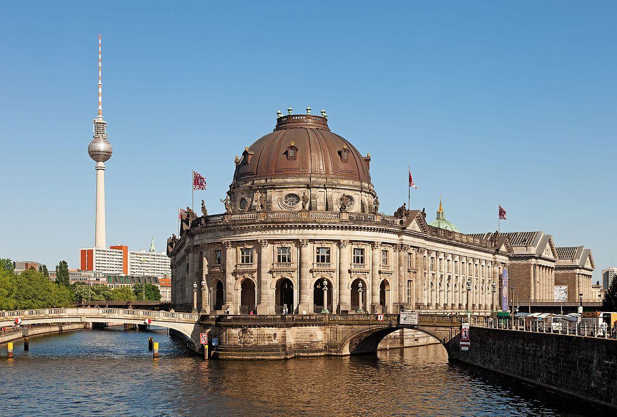 Berlino vandalizzate 70 opere d'arte Museumsinsel