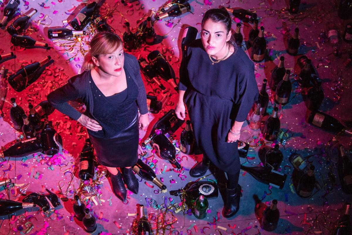 Dove andiamo a ballare questa sera le due artiste Goldschmied e Chia