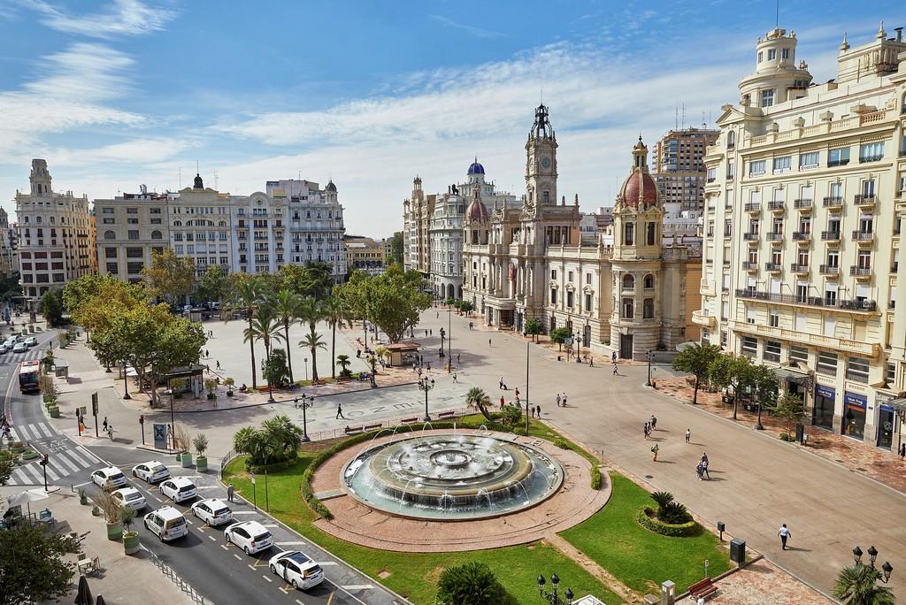 Valencia nel 2021 plaza del ayuntamiento