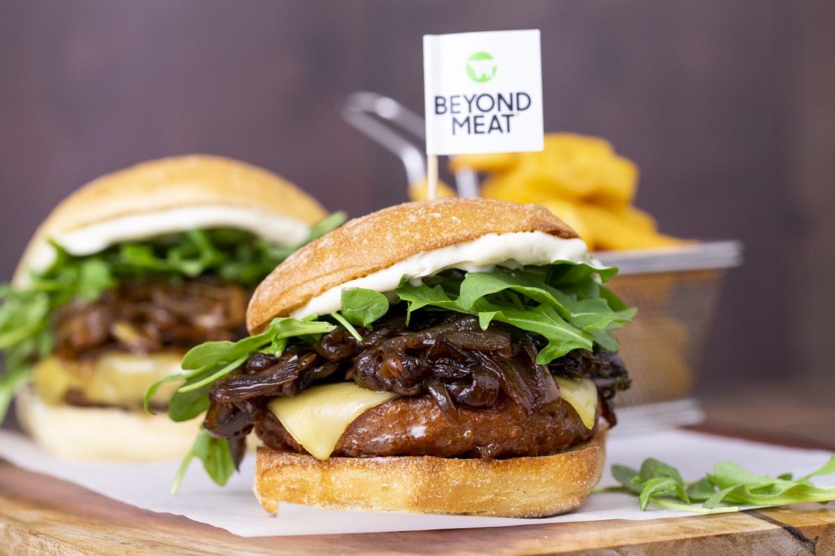 Il futuro del cibo hambuerger con carne beyond meat