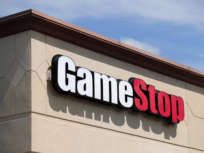 gamestop insegna negozio
