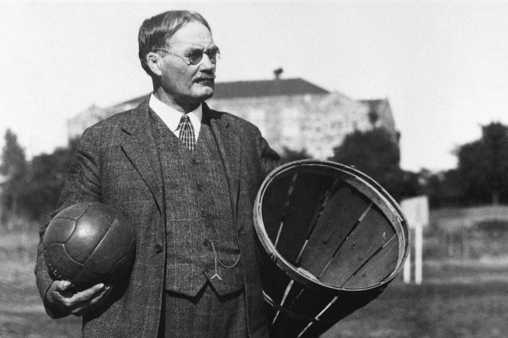 Google celebra James Naismith con palla e cesto di vimini