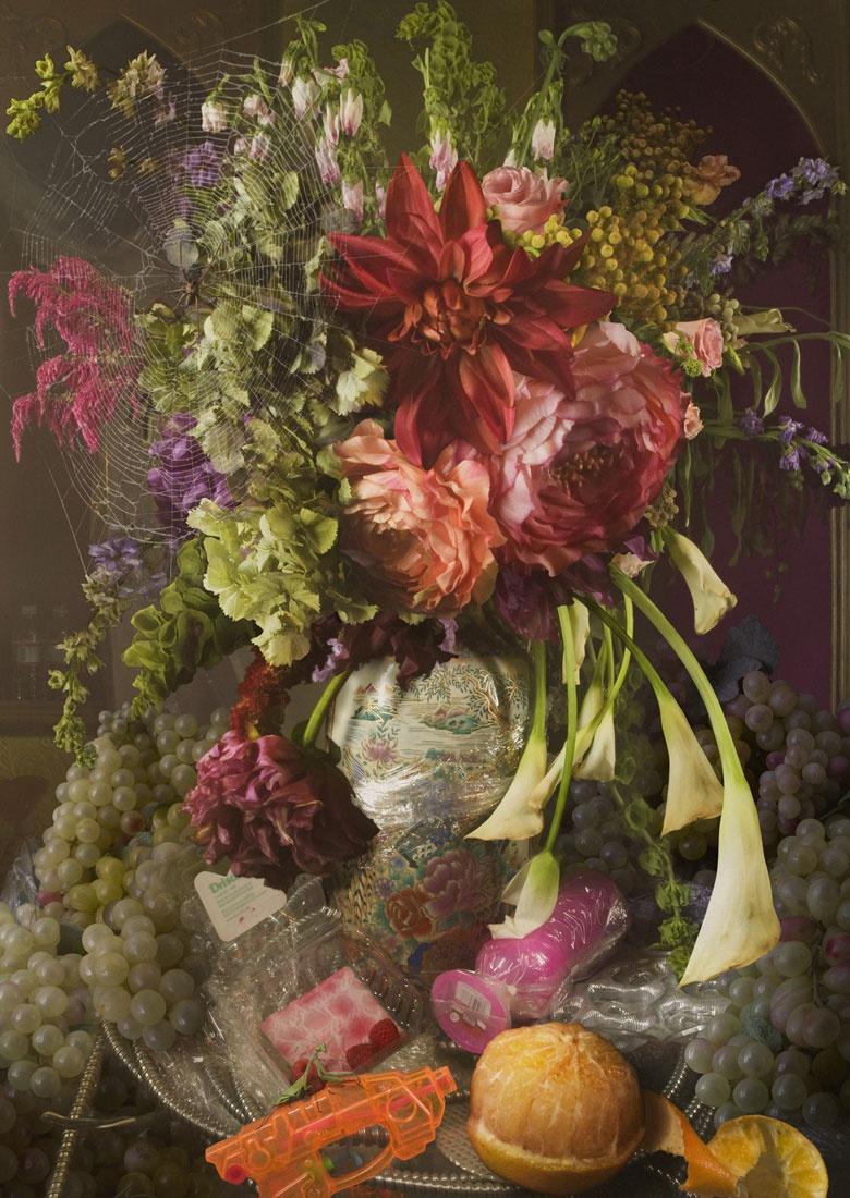 fotografia colori, natura morta con fiori, David LaChapelle per Premio Cramum