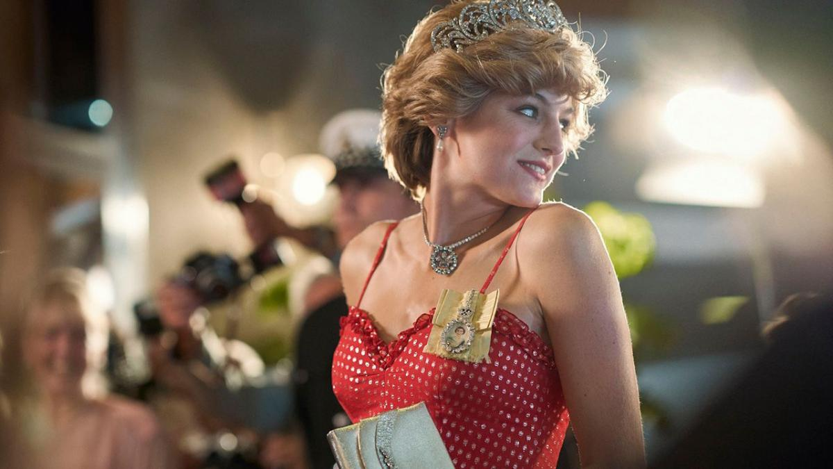 Emma Corrin Golden Globes Diana