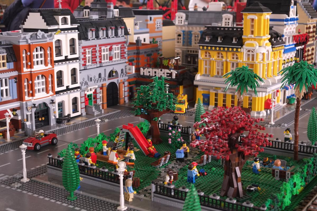 I LOVE LEGO diorama