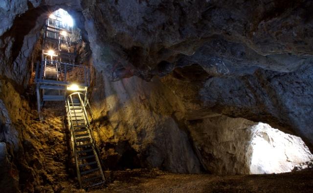 Bellezze nascoste dell'Umbria La Grotta di Monte Cucco