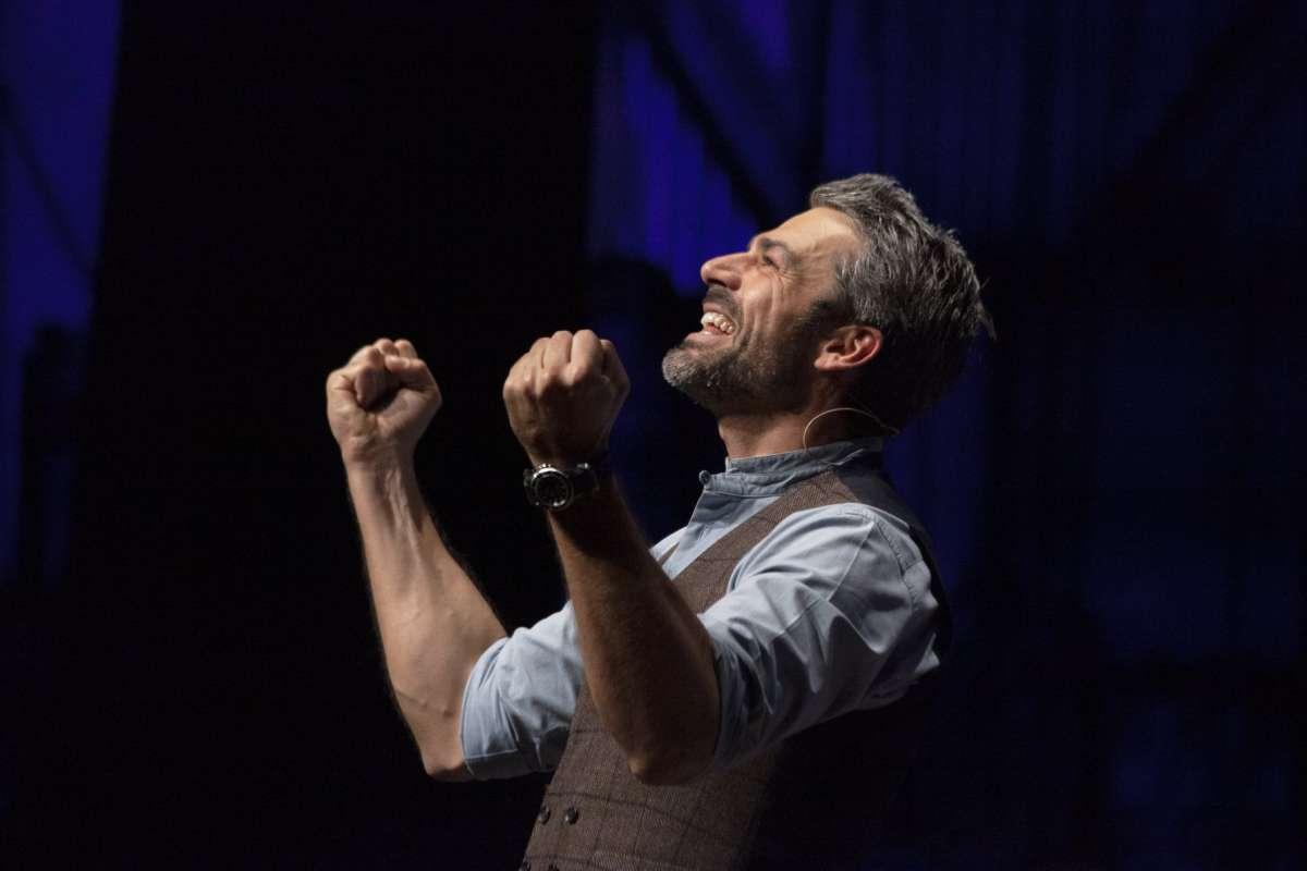 Luca Argentero arriva al Teatro Manzoni